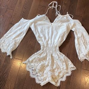 White romper intricate details xs
